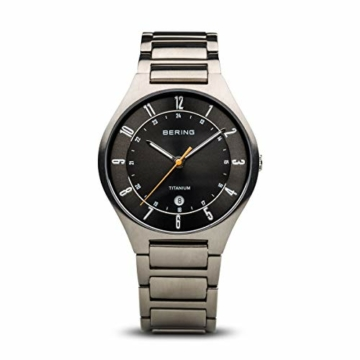 Bering Herren Analog Quarz Uhr mit Titan Armband 11739-772 - 1