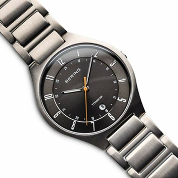Bering Herren Analog Quarz Uhr mit Titan Armband 11739-772 - 3
