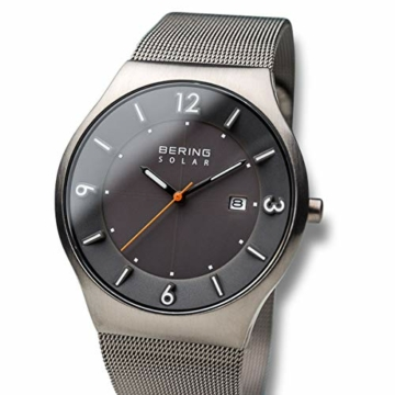 Bering Herren Analog Solar Uhr mit Edelstahl Armband 14440-077 - 2
