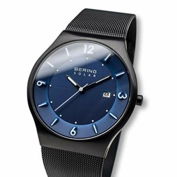 Bering Herren Analog Solar Uhr mit Edelstahl Armband 14440-227 - 2