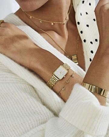 Rosefield Geschenkset The Boxy Armbanduhr Weißes Ziffernblatt Strahlenmuster Gold und Multi Liquid Charms Armband in Gold - BMWLBG-X241 - 5